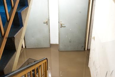 Sous-sol inondé, pourquoi faut-il nettoyer rapidement ?