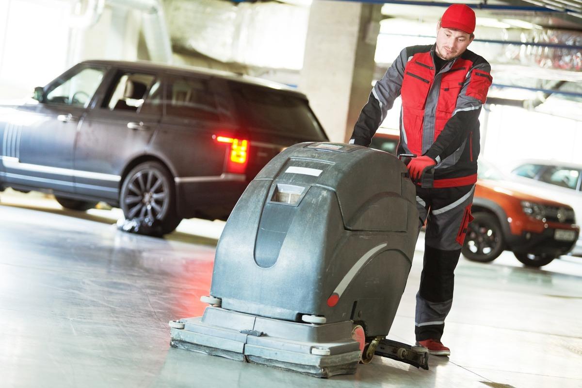 Combien de fois par mois nettoyer un parking de résidence ?